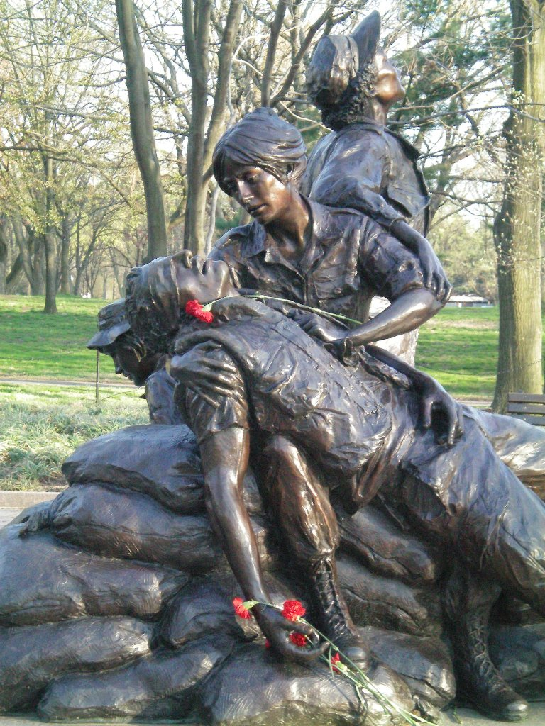 Vietnam Women's Veteran Memorial - By Glenna Goodacre
